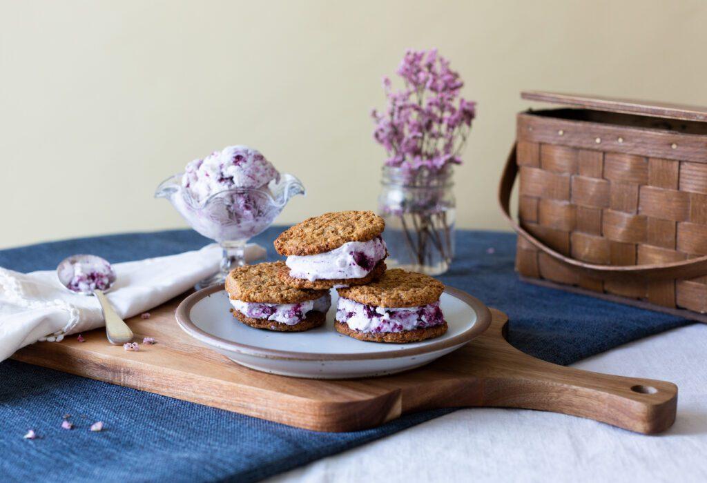 ice cream sandwich by big spoon roasters